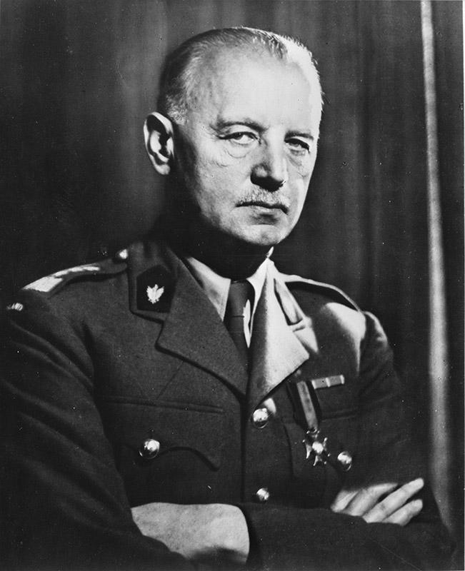 Глава польского правительства в изгнании генерал Владислав Сикорский