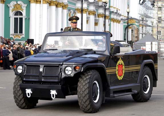 Парадный ГАЗ СП-46 «Тигр» весит более пяти тонн
