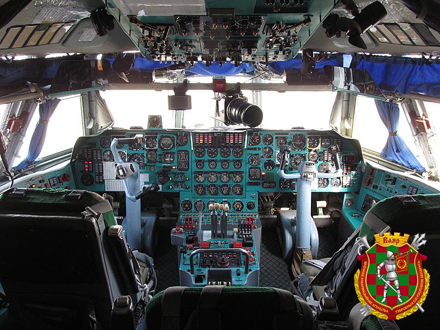 В кабине Ил-76МД