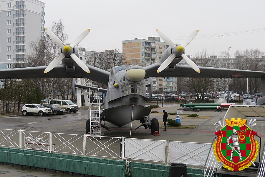 Противолодочный самолет-амфибия Бе-12