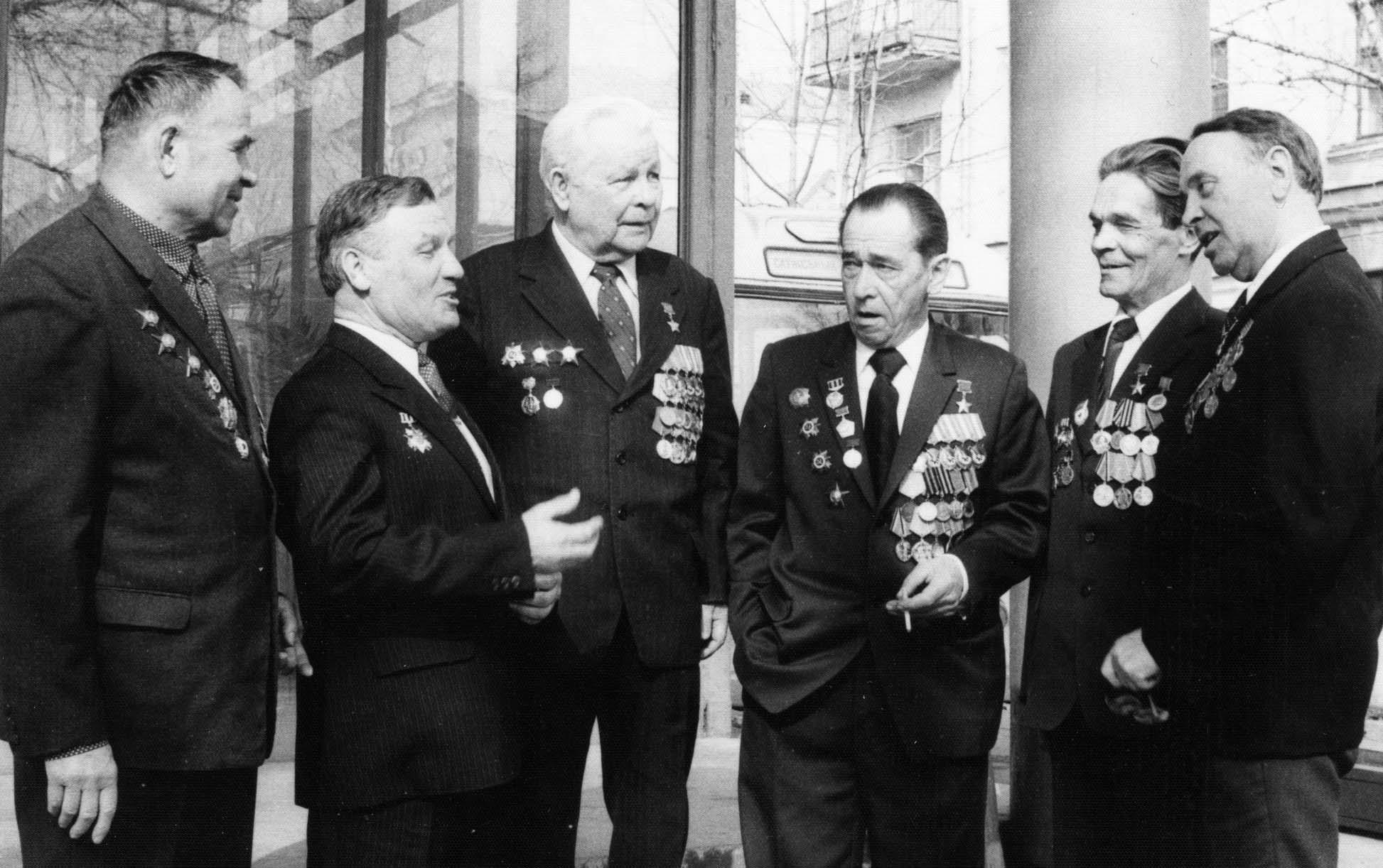 Встреча ветеранов в Витебске. В. Демидов — четвертый слева