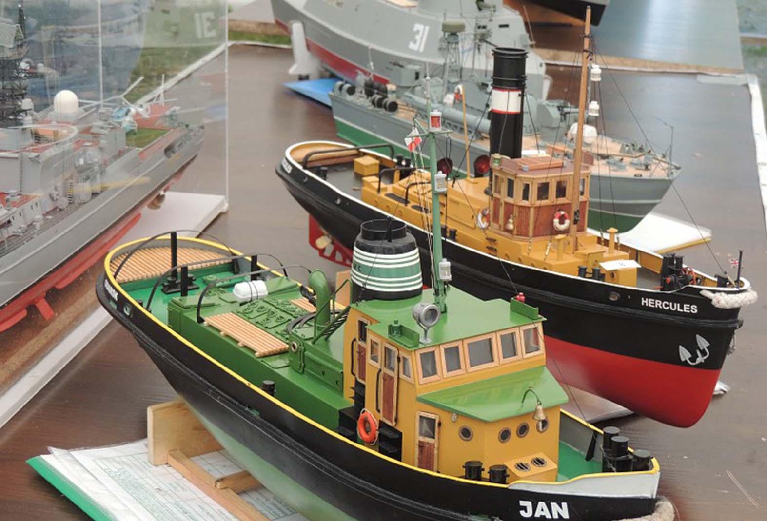 2. Такие модели - прототипы реальных судов и кораблей участвовали в европейских соревнованиях