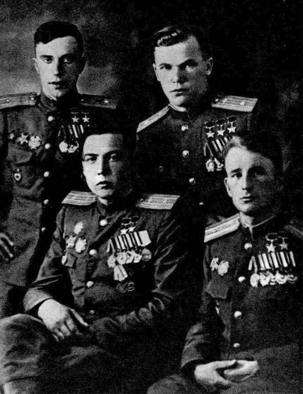 Участники Парада Победы в Москве (слева направо) Л. И. Беда, М. Г. Гареев, И. Н. Кожедуб, М. Т. Степанищев