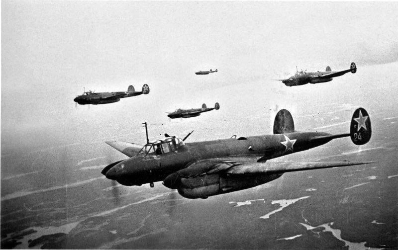 Боевой вылет пионерского Пе-2