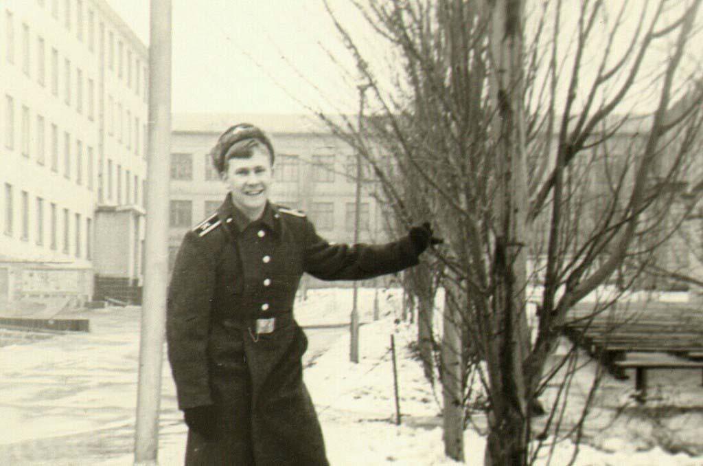 Курсант Донецкого высшего военно-политического училища.1976 год