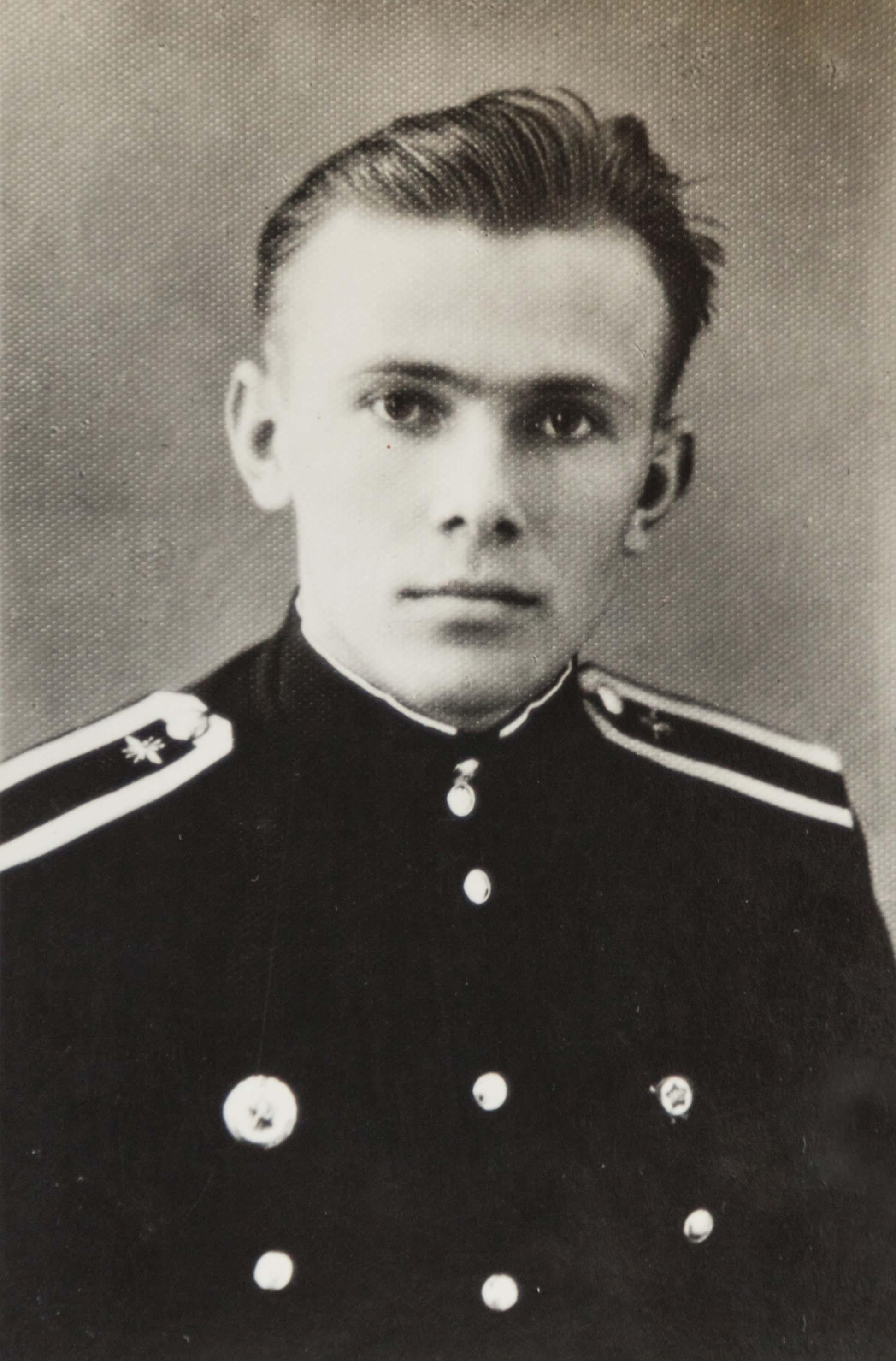 Курсант Горьковского военного училища техников связи  Иван Зайцев. 1959 год