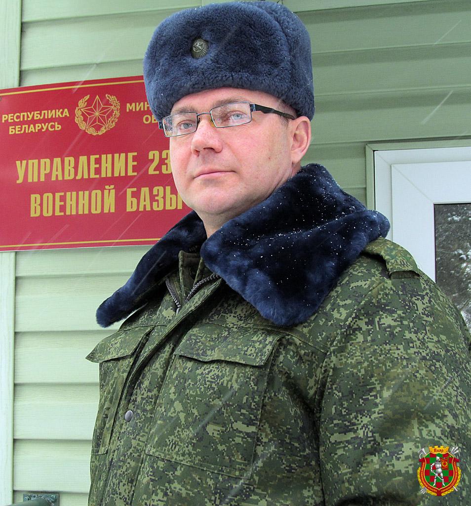 Начальник 2336-й базы хранения вещевого имущества полковник Олег Дышлёнок