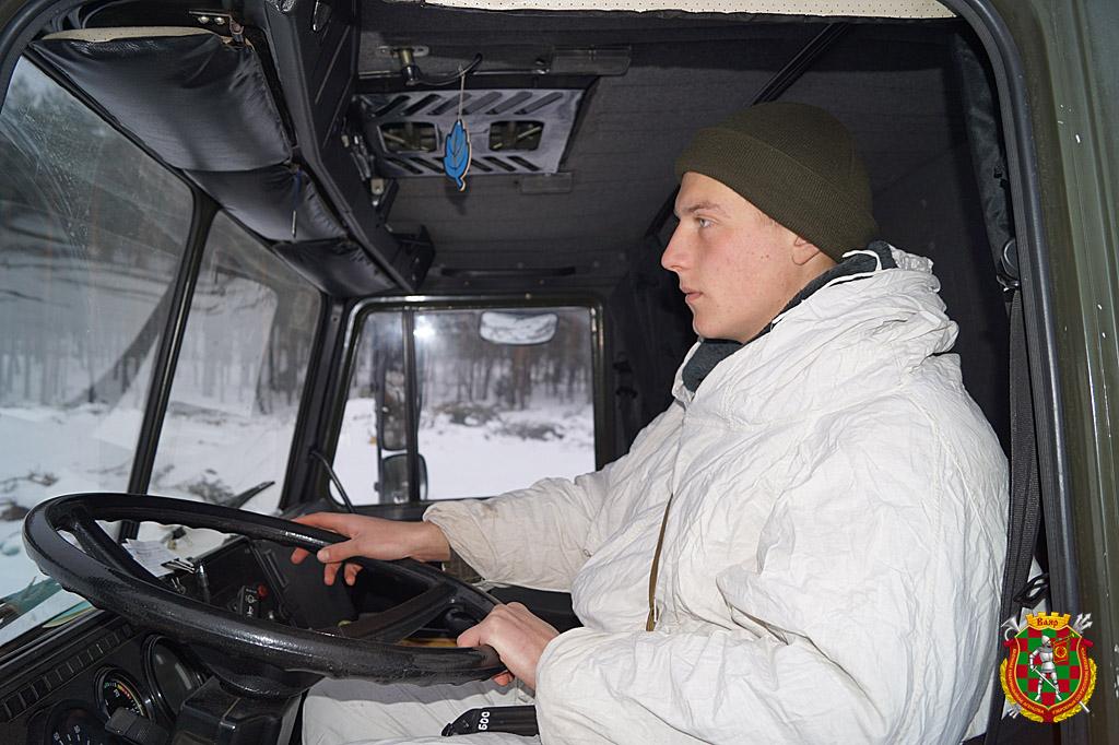 Водитель-электрик гвардии рядовой Андрей Рогович