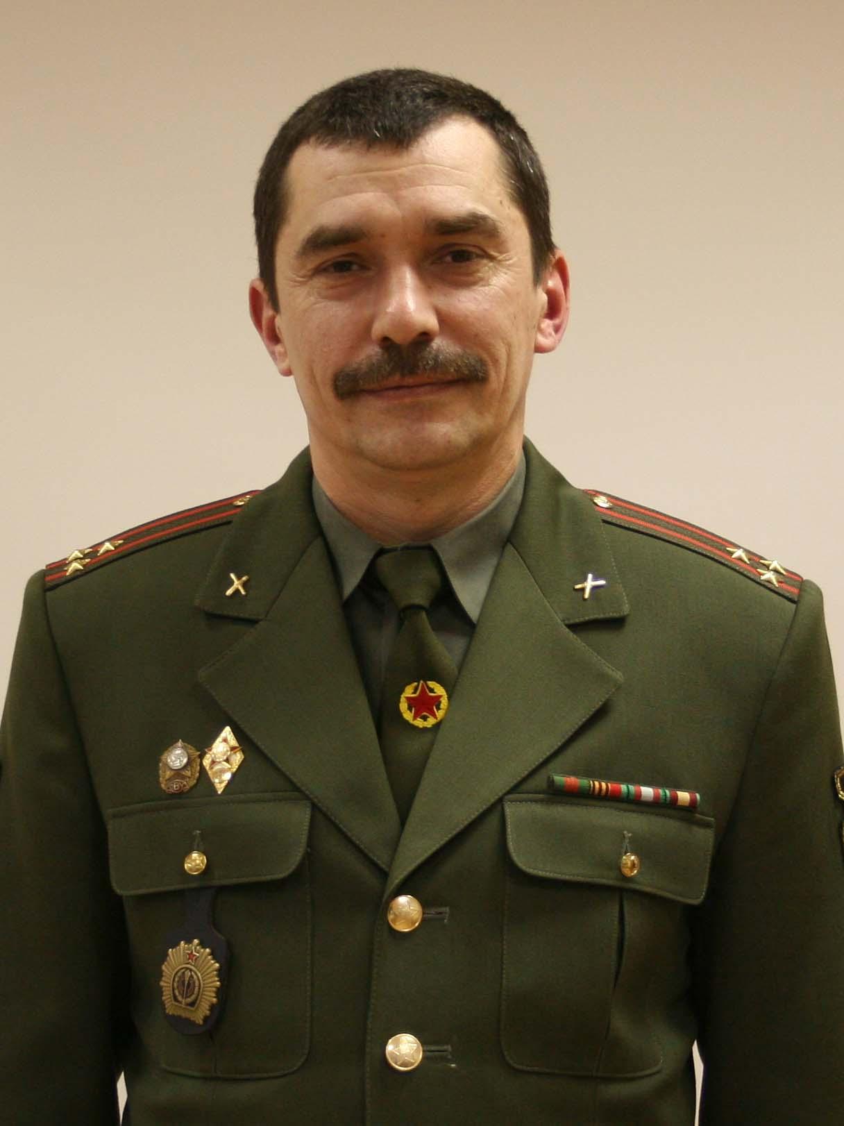 ЛИСТОПАД Сергей Николаевич