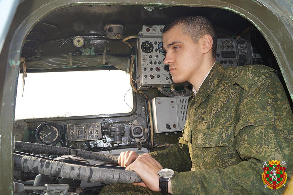 2.Рядовой Андрей Пужель в кабине МАЗа-543М
