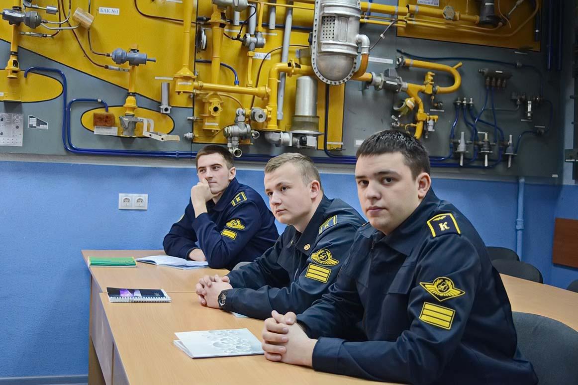 Слева направо: курсанты Дмитрий Шаталович, Иван Майсюк и Дмитрий Гурленя