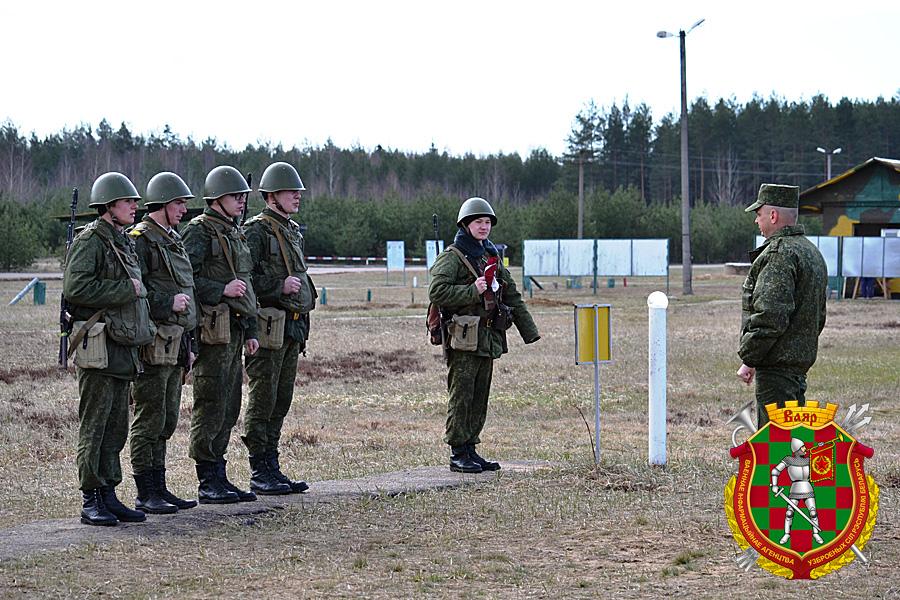 Курсанты совершенствовали практические навыки в действиях при оружии